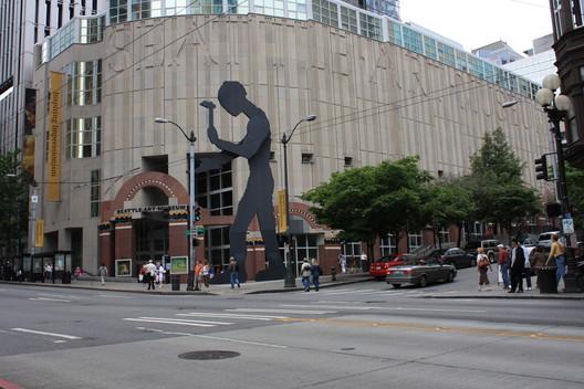 Художественный музей Сиэтла.  Изображение © <a href='https://www.flickr.com/photos/dph1110/2671587271'> Пользователь Flickr dph1110 </a> лицензирован под <a href = 'https: //creativecommons.org/licenses/by/ 2.0 / '> CC BY 2.0 </a>