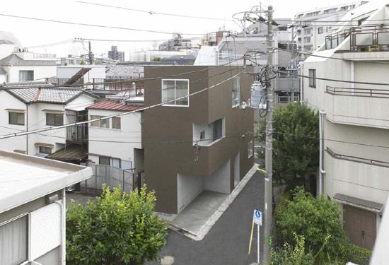 Современный японский частный дом в городской черте