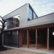 Внутренний дворик современного японского дома