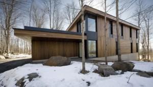 Дом деревянный коттедж для холодного климата.
