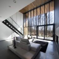 Окна от пола до потолка в коттедже