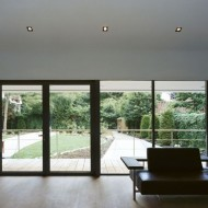 Дизайн интерьеров современного коттеджа. Гостиная зал на первом этаже