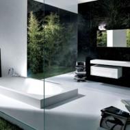 Ванная комната в коттедже в черно-белых тонах фото с сайта http://www.ecotectura.ru/ строительство и архитектура коттеджей.