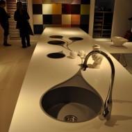 Дизайн внутренних интерьеров. Кухня столешница с фигурной мойкой