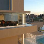 Жилые зоны коттеджа расположены на верхних этажах. Проекты коттеджей.