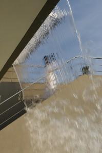 Открытые лестницы соединяют разные уровни дома. Проекты коттеджей