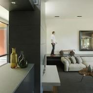 Многоуровневая гостиная в коттедже