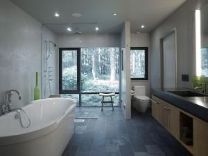 Просторная ванная комната в коттедже