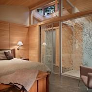 Спальня со стеклянными межкомнатными перегородками