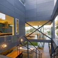 Открытые жилые пространства в интерьере коттеджа