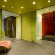 Разделение жилого пространства прозрачными раздвижными перегородками