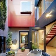 Проект двухэтажного коттеджа в черте города