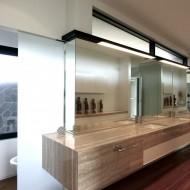 Пример обустройства ванной комнаты в коттедже
