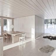 Кухня, столовая и гостиная в мини-коттедже
