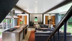 Интерьер кухни и комнаты отдыха