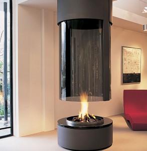 Современный камин круглой формы с тонированным огнеупорным стеклом