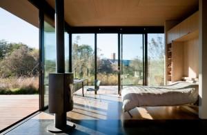 Проект небольшого домика с панорамными окнами