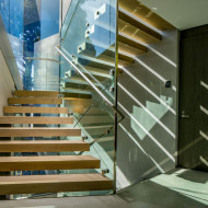 sovremenniywood-and-glass-stairs-1128-09-800x533